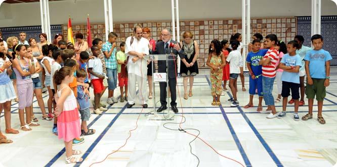 La Asamblea acoge a los niños saharauis del programa Vacaciones en Paz